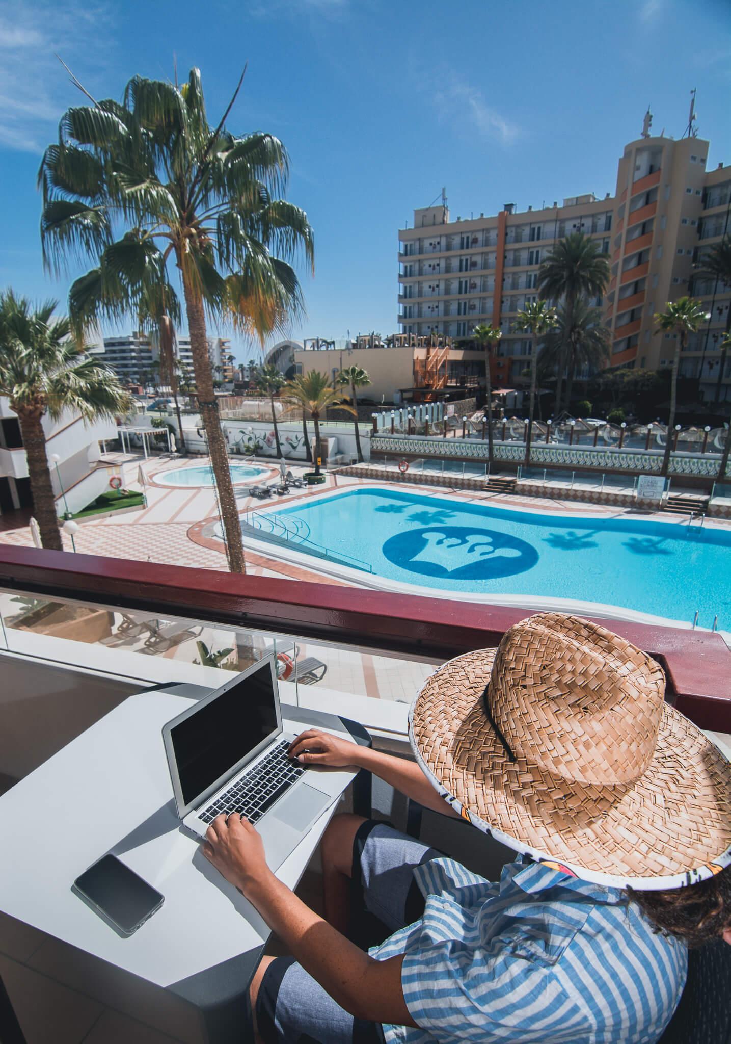 remote-worker-playa-del-ingles
